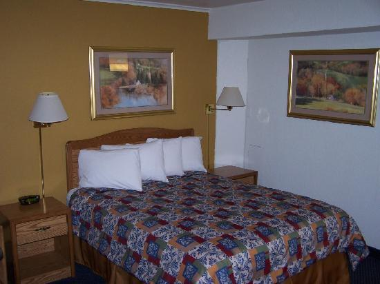 Travelodge Rapid City: Small rooms