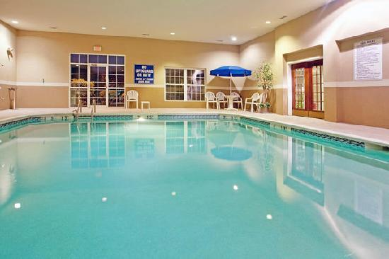 ‪‪Holiday Inn Express & Suites Orangeburg‬: pool‬