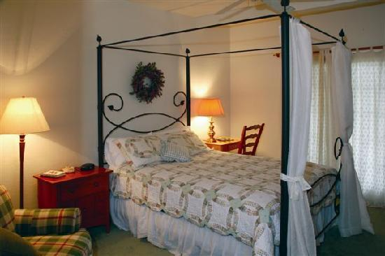 Los Altos Bed and Breakfast: Jennifer Room