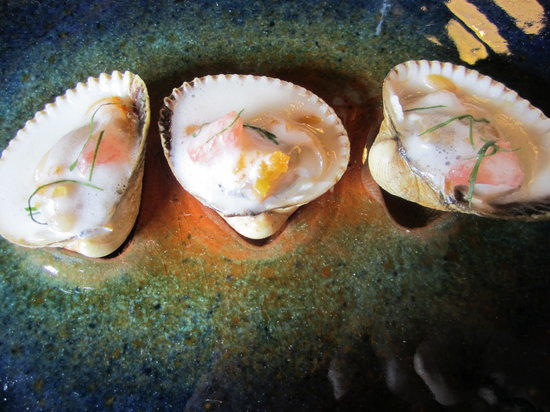 Axpe Achondo, Spain: Seafood with orange and pink grape