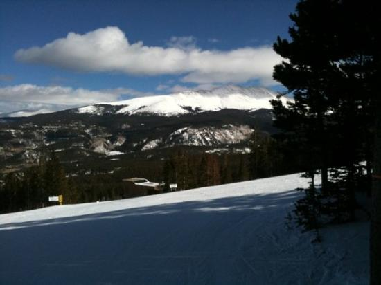 Breckenridge Ski Resort: 12,000 feet up and 4000 down to base. Absolutely a great day of skiing!  Got a total of 26 runs