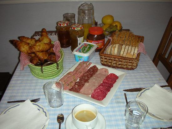 BarcelonaBB: Our own private breakfast when no other guests were there.