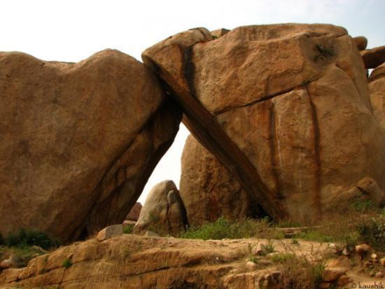 Akka Tangi Gundu Sisters Stones Picture Of Hampi