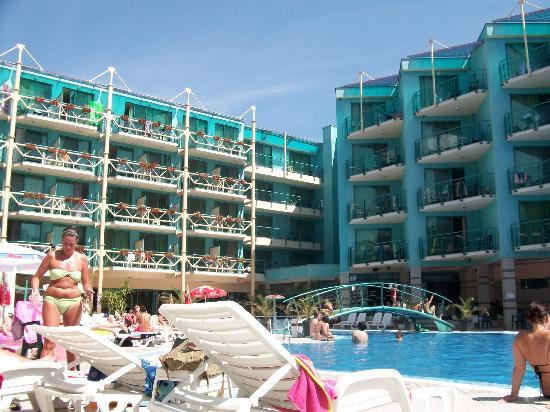 Diamond Hotel: The hotel