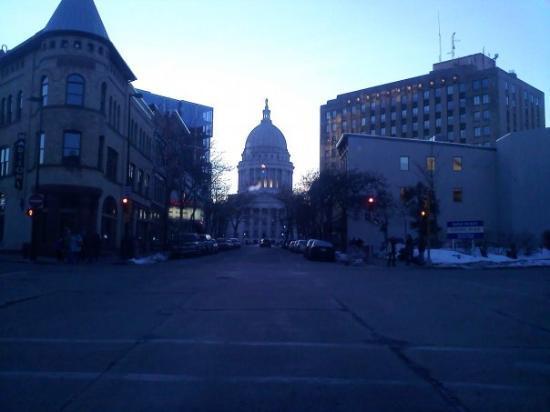Madison, WI: EL CAPITOL EN ATARDECER