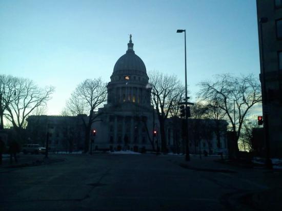 Madison, WI: EL CAPITOL MAS CERCA