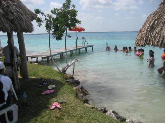 Bacalar, Mexico: platica en la laguna