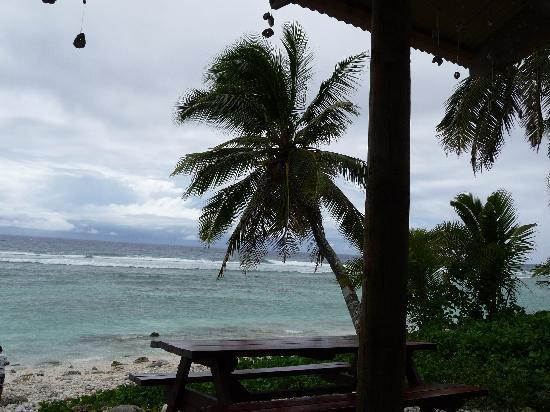 A romantic beach wedding picture of rarotonga beach for Nice romantic scenes