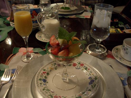Bonnie Dwaine Bed and Breakfast: Fruit Salad