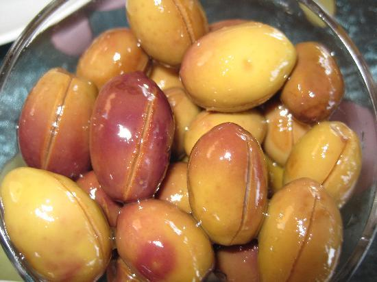 Jet's Pension: Olives made by Fatima