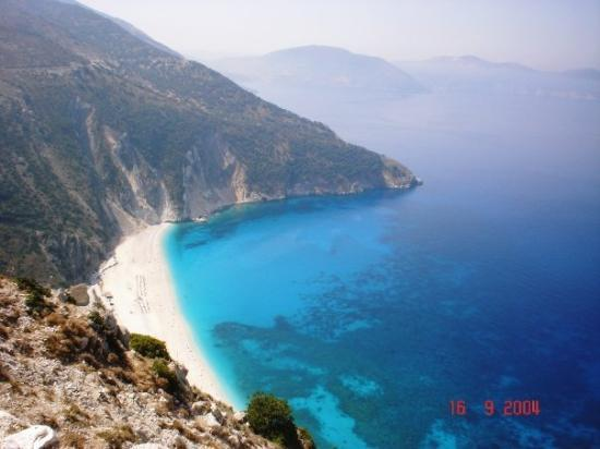 Cephalonia, Yunani: Kefalonia   This is the beach in Captain Corelli`s Mandolin