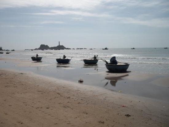 Phan Thiet, Vietnam: embarcation de pêche traditionnelle