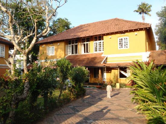 Tea Bungalow: Main house