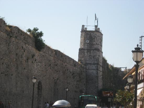 Ioannina, Greece: town walls