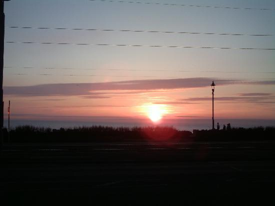 Ellan Vannin Hotel: Sunset