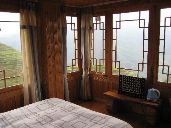 Long Ji One Hotel : Corner bedroom