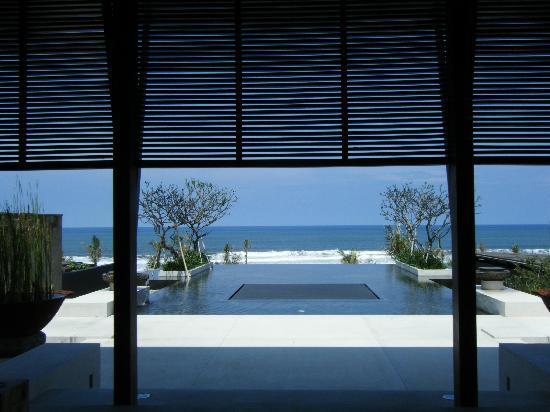 Soori Bali: View of sea at lobby