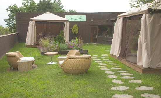 The Woodlands Inn: Alexander's Spa Outdoor Treatment Rooms