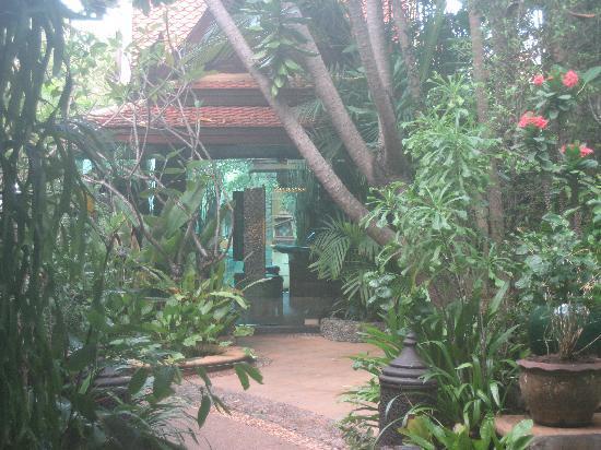Sawasdee Village: Reception