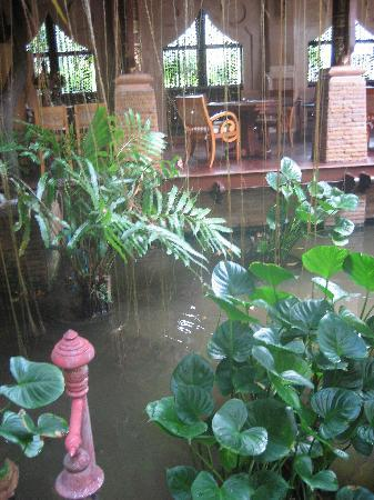 Sawasdee Village: Some restaurant seating