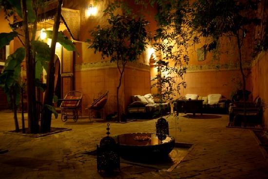 Riad Laksour: Le patio, lieu de détente permanent...