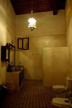 Riad Laksour: L'une des merveilleuses salles de bains