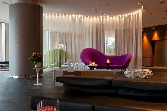 The Hub Hotel : Lounge