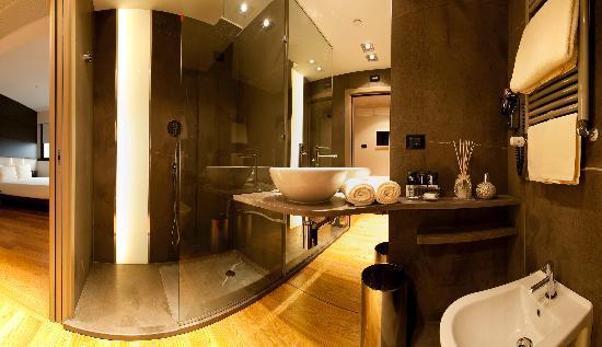 The Hub Hotel : Bathroom