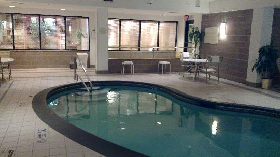 Courtyard by Marriott Newburgh Stewart Airport: The Pool