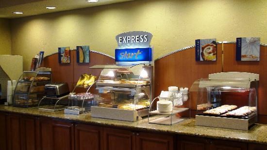 Holiday Inn Express Greenville: Free Hot Breakfast