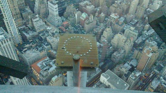 View from 102nd floor picture of empire state building for 102nd floor of the empire state building
