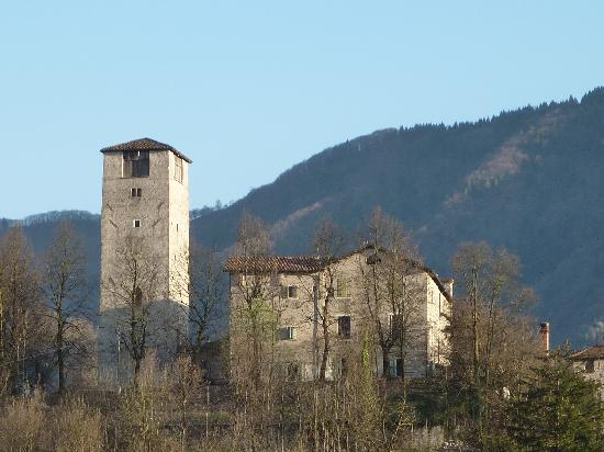 B&B Casa Ester : Feltre - Castle