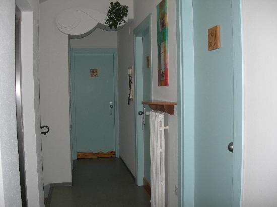 Hotel San Carlo Garni: corridoio