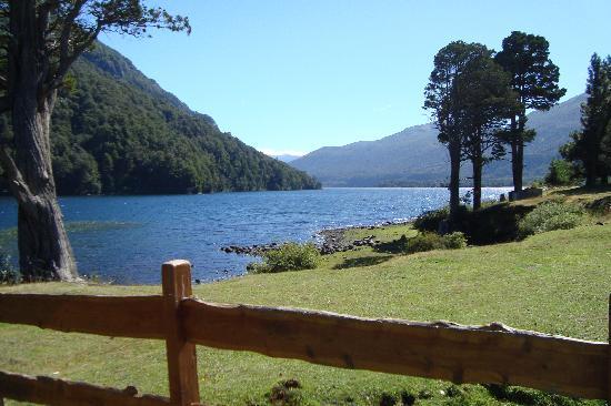 San Martín de los Andes, Argentina: desembocadura Lago Paimun