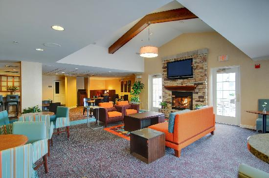 Residence Inn Frederick: Our warm and inviting Gatehouse area