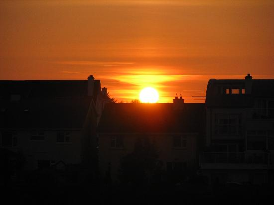 Marian Lodge Guesthouse: Salthill sunset