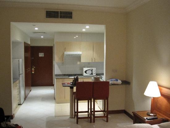 Rolla Residence: Room