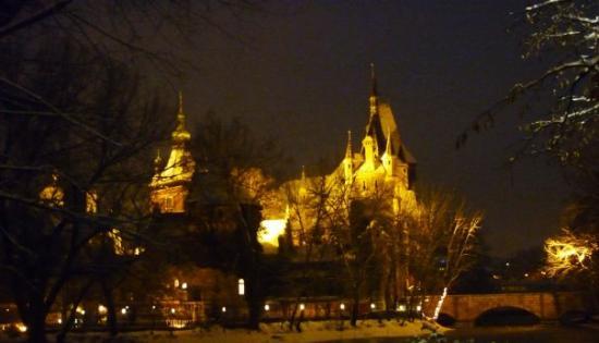 Vajdahunyad Castle (Vajdahunyadvar): [budapeste] Vajdahunyad Castle
