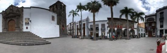 Santa Cruz de la Palma, España: Santa Cruz hat ein paar Ecken, die könnten direkt als Kulissen für spanische Historienfilme dien