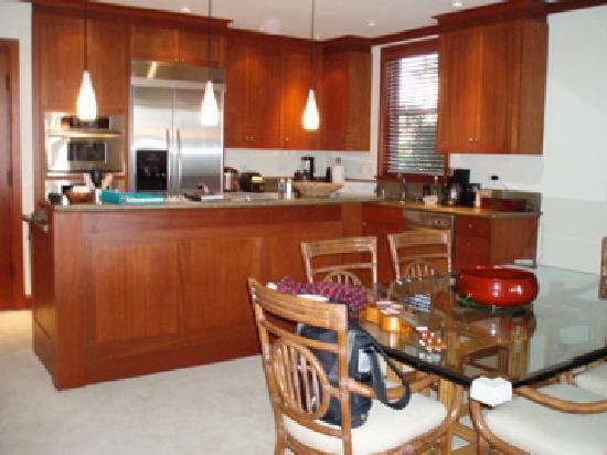 Kolea at Waikoloa Beach Resort: Great kitchen, fully loaded