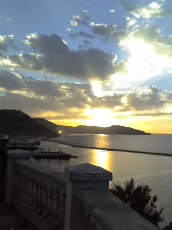 عين الترك, الجزائر: la corniche .... magnifique merci morad ...