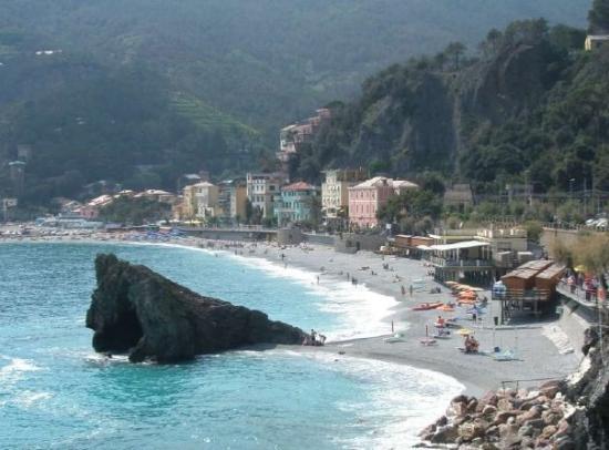 Levanto, Italie : Fegina beach Cinque Terra, Italy