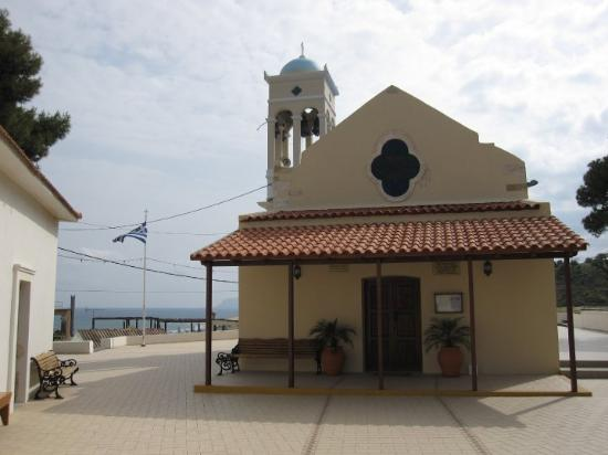 Platanias, Grækenland: The church in the old town (Ag. Dimitrios Temple)