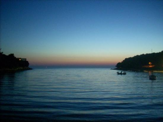 "Πούλα, Κροατία: Pula!! El mejor albergue de toda Europa en una playa ""privada"" a todos los efectos y mirando al"