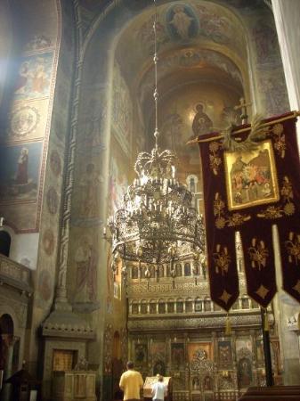 Cluj-Napoca, Roemenië: Cluj Napoca, una ciudad con mucho atasco y una iglesia bizantina preciosa