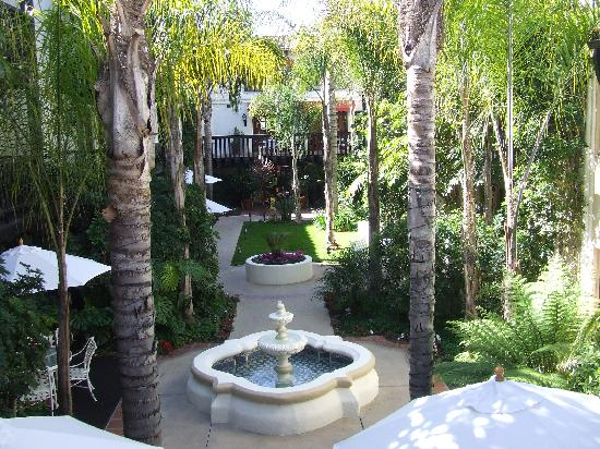 Carpinteria, Califórnia: Courtyard