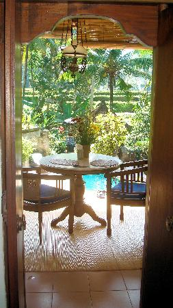 Kebun Indah: The view from our bedroom over the pool and into the jungle and rice fields