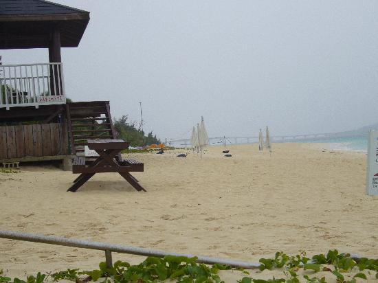 Miyakojima Tokyu Hotel & Resorts : ホテルビーチ、朝散歩に最高
