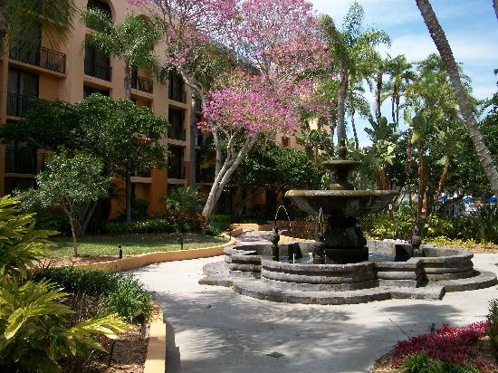 Courtyard Bradenton Sarasota/Riverfront: Beautiful courtyard