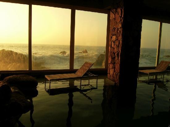Radisson Blu Acqua Hotel & Spa Concon: Warm seawater pool